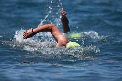 Triathlon - S'entraîner à nager en eau vive en piscine | Stimium