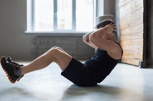Faire du fitness à la maison - programme Anaïs Aragon Stimium